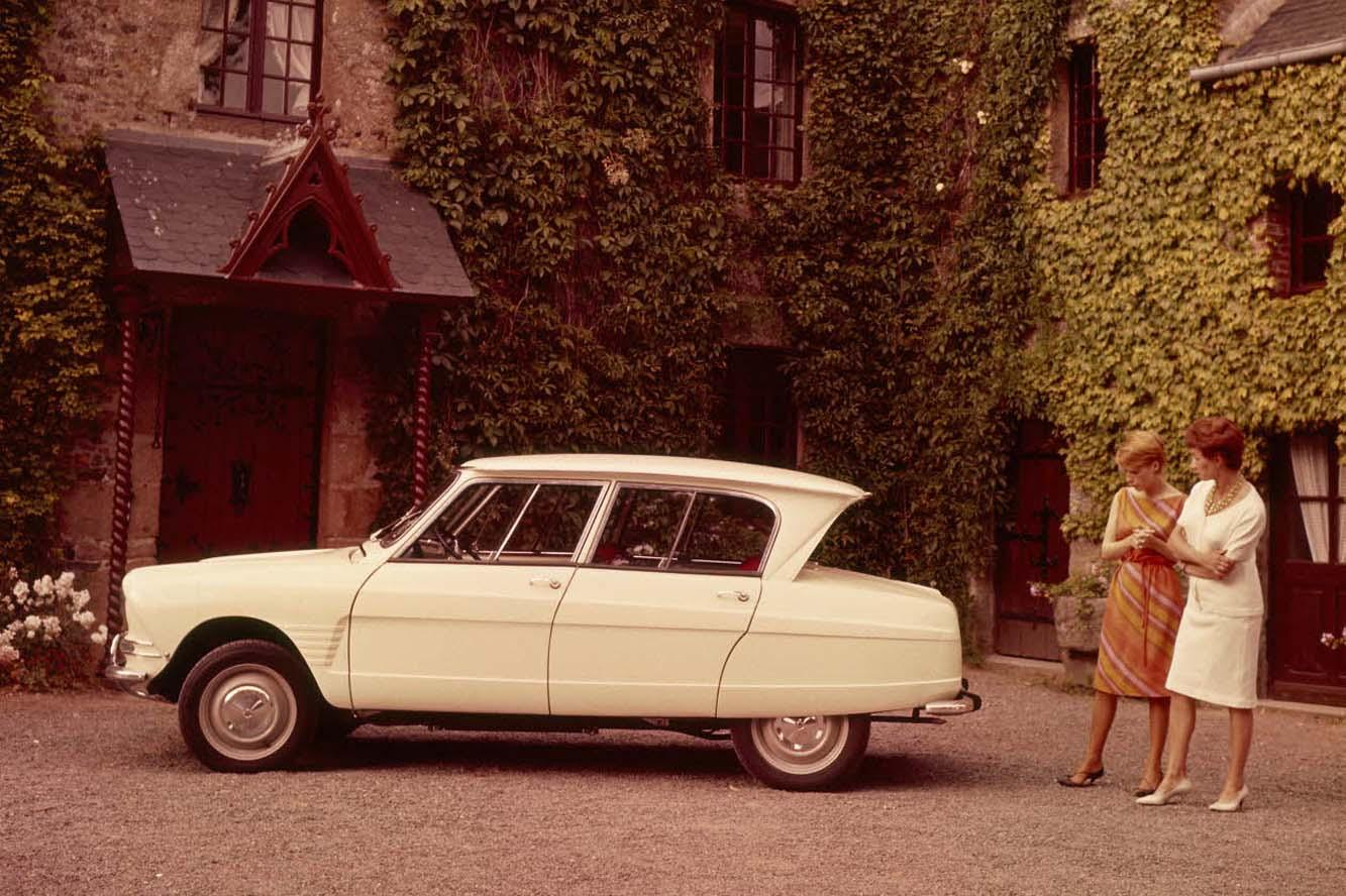 AMI 6 Berline 1963 profil manoir
